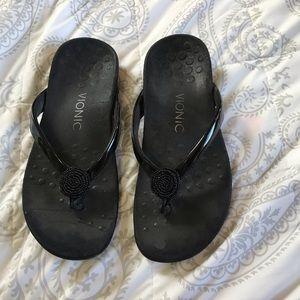 Vionic black slippers | podiatrist designed